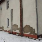 Nešildomos buvusios Pagėgių bibliotekos sienos neatlaiko šalto oro