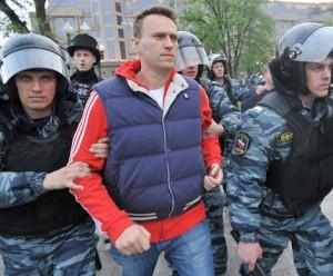 aleksej-navalnyj-arestovan-sudom-na-sem-sutok