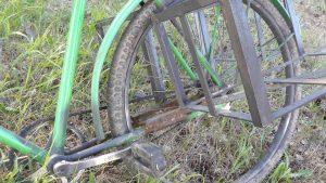 prie dviračių lopšiai pritvirtinti standžiai