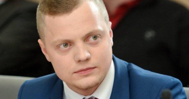 Po Lietuvos laisvės sąjungos kandidato kreipimosi į VSD, padegta jo reklaminė priekaba
