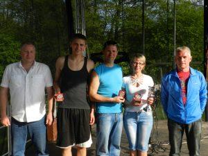 R.Maciukevičienė su vyru, sūnumi, Pagėgių meru ir Tarybos nariu R.Špečkausku, kurio sūnus žuvo bėgdamas su kontrabanda nuo pasieniečių