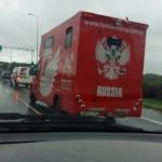 Lietuvos keliuose neįprastas automobilis su panašia į Rusijos simbolika.(video)