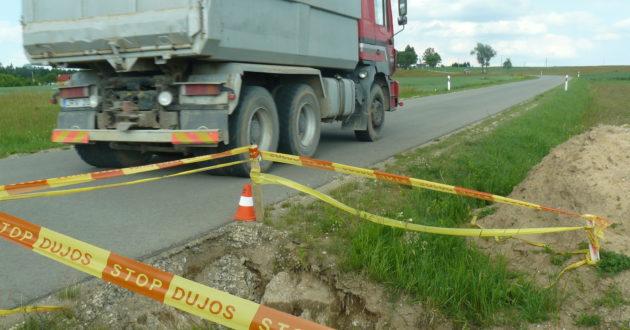 Iki vasaros didžiagabaričiams automobiliams Kauno rajono keliais važiuoti draudžiama, kaip atpažinti tokią transporto priemonę?