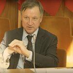 Parlamentaras J.Varkalys: būtų įdomu, ką galvoja moteris sužinojus , kad ji pastojo.
