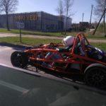 Lietuvos keliuose pastebėtas neįprastas automobilis iš Didžiosios Britanijos