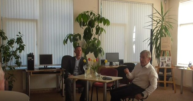Seimo pirmininkas susitikime su gyventojais apie girtą Siaurusevičių ir naglą Jakilaitį