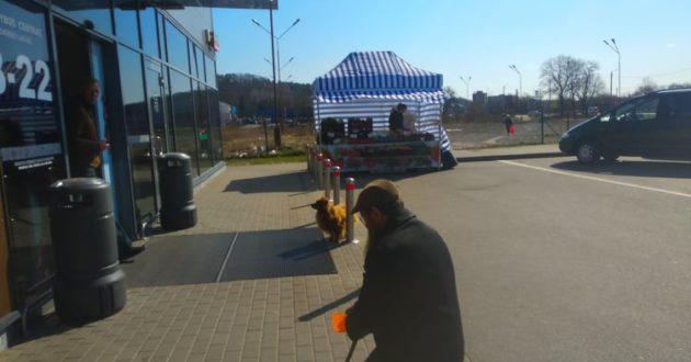 Absurdo Lietuva: vieni skursta, kiti lobsta