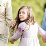 Sprendžiant vaiko paėmimo iš tėvų klausimą privalo būti užtikrintos visų suinteresuotų asmenų procesinės teisės