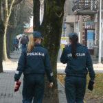 Nusprendę nemokėti po 250 Eur, nustebino policininkus