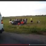 Tragiškos avarijos Juknaičių apylinkėse vietoje, medikų darbą stebėjo vaikai (video)