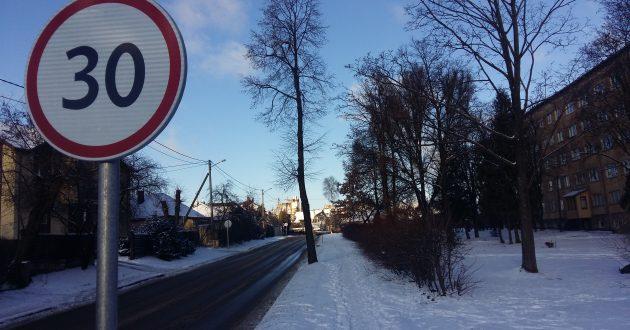 Po viešumoje pasirodžiusio eismo įvykio detalių Kauno miesto valdžia pasirūpino  gatvių ženklinimu