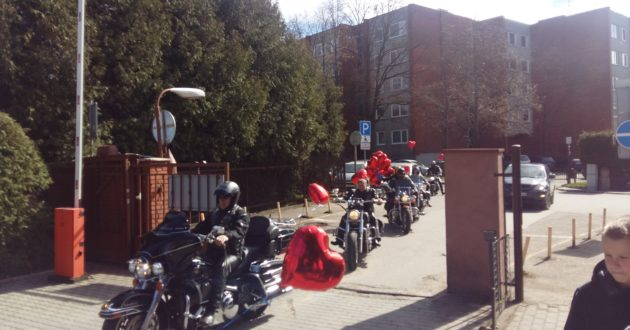 Kauno klinikose griaudėjo motociklų varikliai, baikeriai minėjo pasaulinę sveikatos dieną(video)