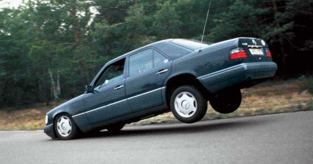 """Priverstinio automobilių stabdymo priemonė lagamine, naujas policijos pirkinys kelių """"ereliams"""" stabdyti."""