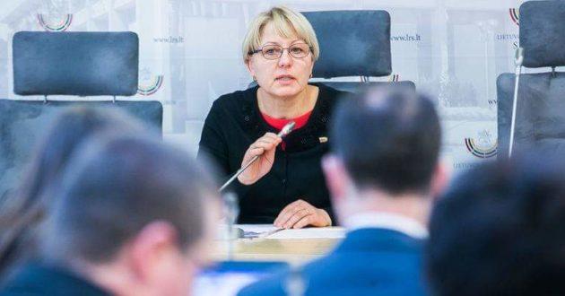 """Sveikatos reikalų komiteto pirmininkės A. Kubilienės pranešimas: Siūlymui riboti """"šampaną vaikams"""" pastabų neturėjo nei ES, nei PPO"""
