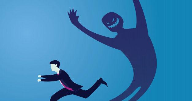 """""""Delfio"""" stiliaus straipsnis: """"Mokslininkai išaiškino, nuo savo šešėlio užsikrėsti virusu neįmanoma"""""""