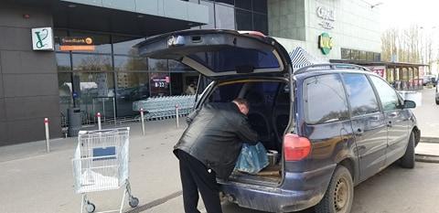 Kėdainių Maxima liko ant ledo, atšaukus žinią apie užterštą vandenį parduotuvėje sumažėjo jo prekyba