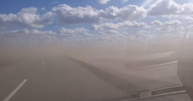 Lietuvoje siaučia smėlio pūgos, apsauginės kaukės išėjo į naudą.(video)