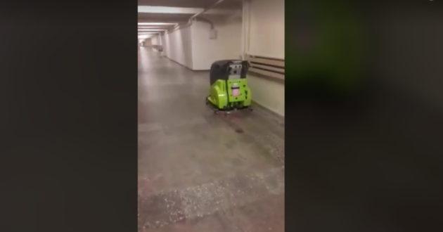 Kauno klinikų požemius naktimis valo robotas