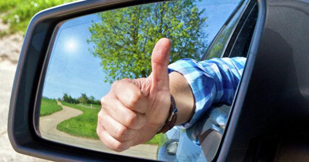 """Atsakas """"trikojams"""", į kelius grįžta vairuotojų solidarumas."""